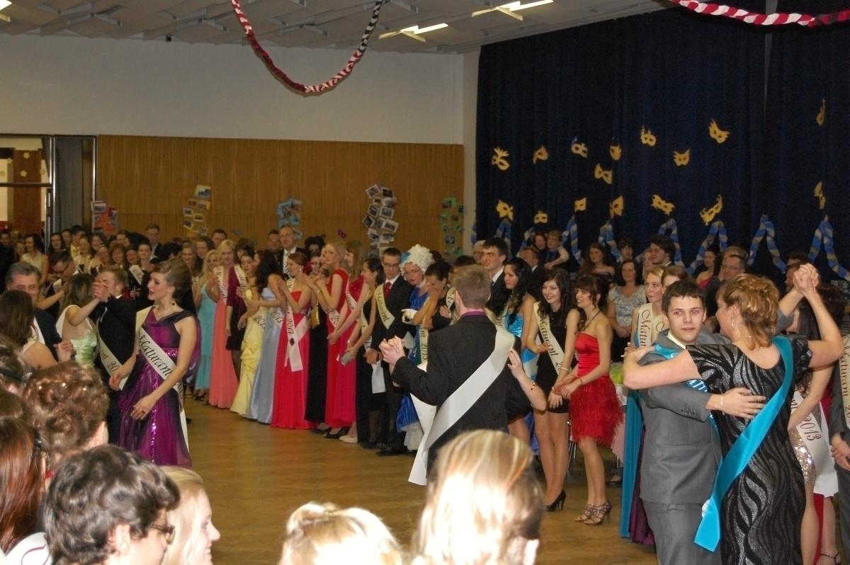 34cc5ee8242a Maturitní ples 2013 – Gymnázium